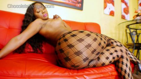 Nia Bangzz Chocolate Models Full Video - July 2014