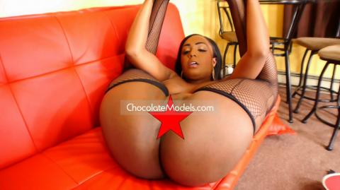 Layton Benton Chocolate Models Dance Set Full Nude Video - May 2018