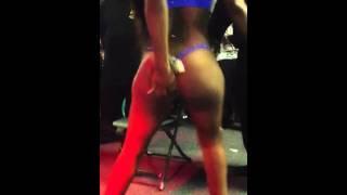 Diamond thebody - preforming live at club easy